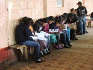 Estudiantes muestran el interés por conocer la historia de San Vicente Buenabaj