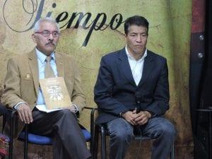 Gestor Cultural Marco Tulio Monzón y Antropólogo Carlos Ochoa, en la entrevista sobre ADESCA y el apoyo a este proyecto cultural