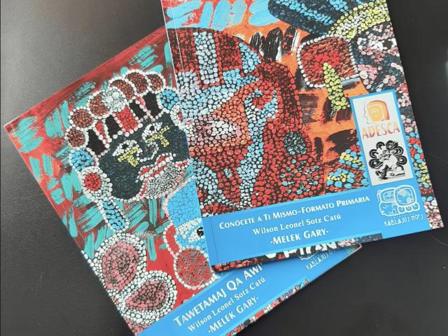 Libros Conócete a Ti Mismo de Wilson Sotz / Foto: Eslly Melgarejo-ADESCA-